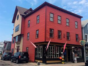 RECORD COMMERCIAL SALE IN NEWPORT