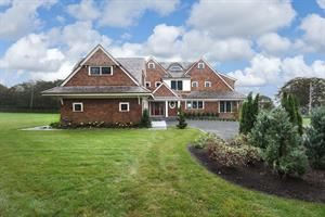 RECORD SALE IN MIDDLETOWN - Home on Easton's Point Sells for $3.275M