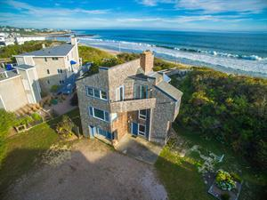 DEMAND CONTINUES FOR MISQUAMICUT BEACHFRONT PROPERTY - Beachfront Property in Misquamicut Sells for $1.25 Million