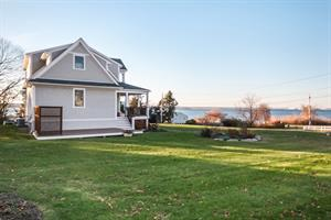 Waterview Home in Jamestown Shores Sells for $1.06M