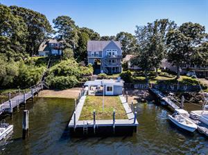 Waterfront Home on Harbour Island Sells for $1.295M