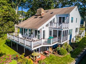 WATERFRONT HOME ON HARBOUR ISLAND SELLS FOR $1.2M