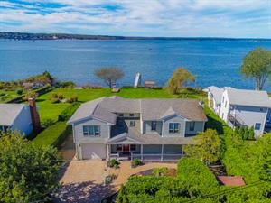 WATERFRONT CONTEMPORARY HOME WITH PRIVATE DOCK IN JAMESTOWN SHORES SELLS FOR $1.475M
