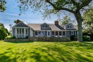 WATERVIEW HOME IN SAUNDERSTOWN SELLS FOR A RECORD PRICE