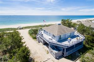 BEACHFRONT COTTAGE IN SOUTH KINGSTOWN SELLS FOR $1.075M