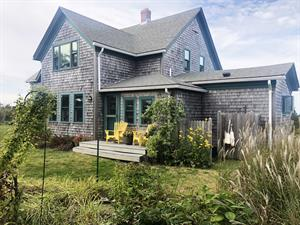HOME ON BLOCK ISLAND SELLS FOR $1.095M