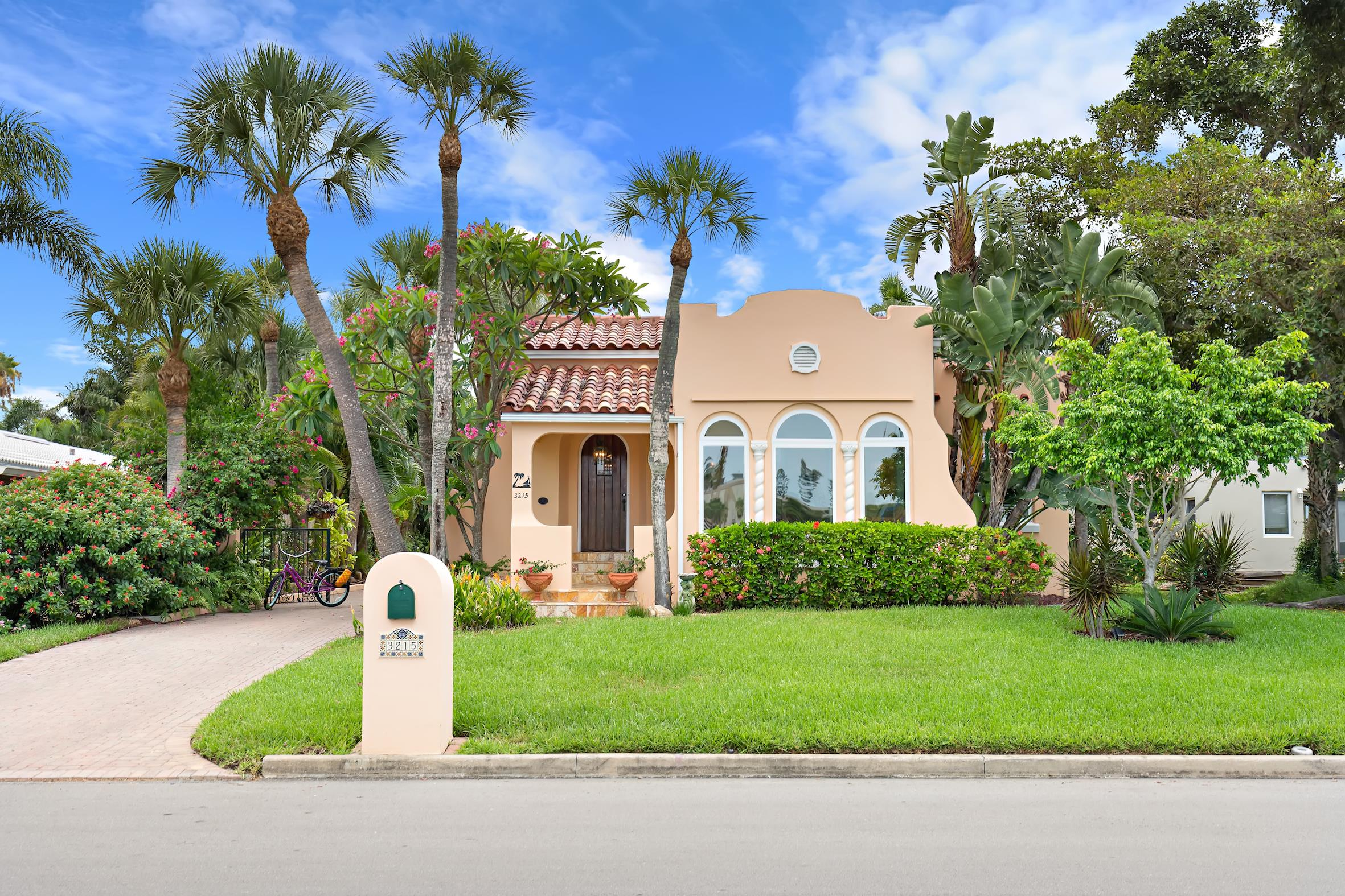 HISTORICAL LANDMARK HOME IN ST. PETE BEACH HITS THE MARKET